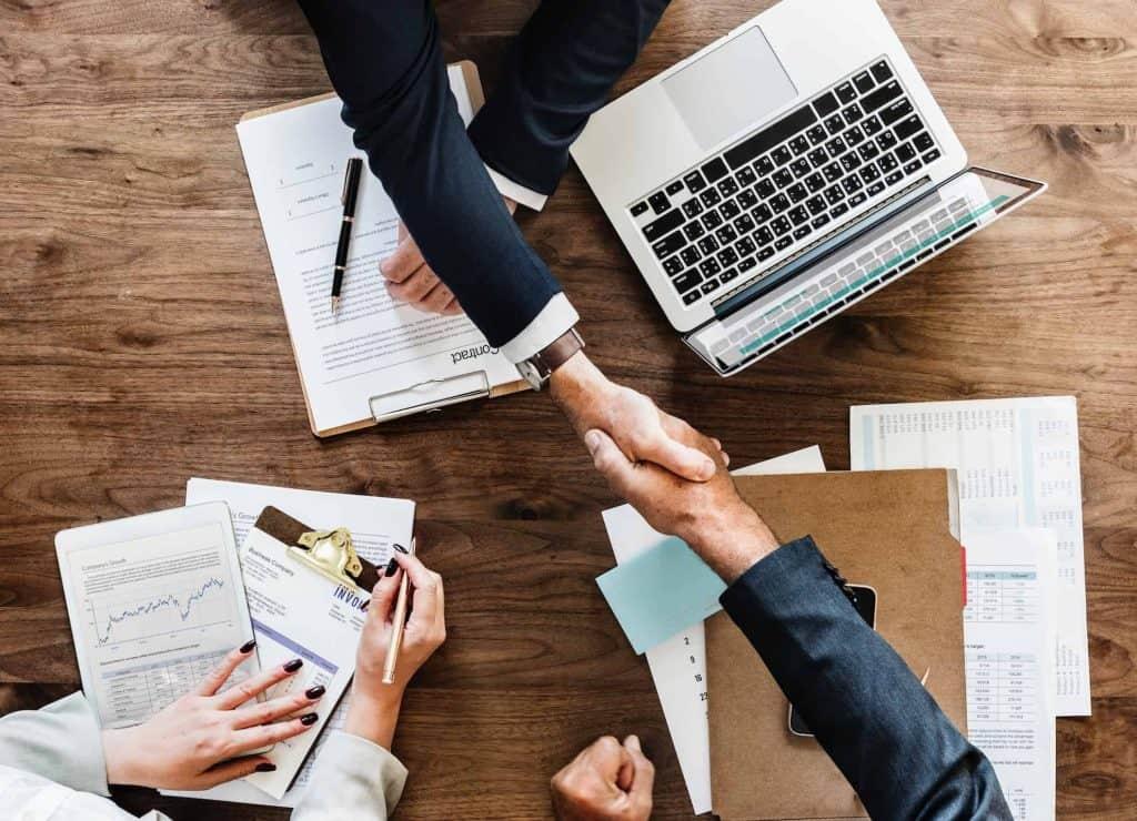 sales-shake-hands