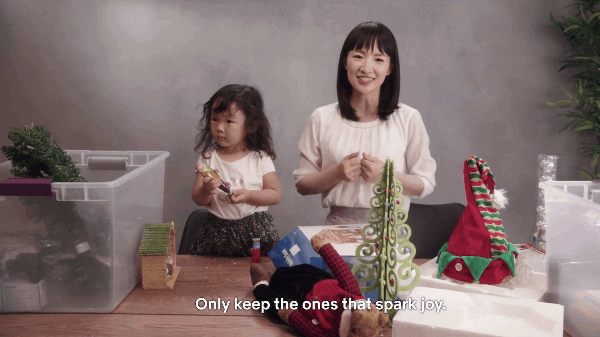 Marie-Kondo-keep-objects-spark-joy