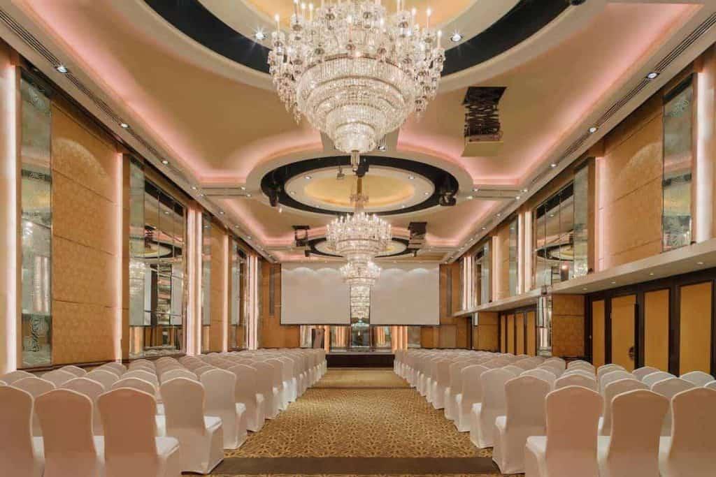 crystal ballroom at holiday inn singapore