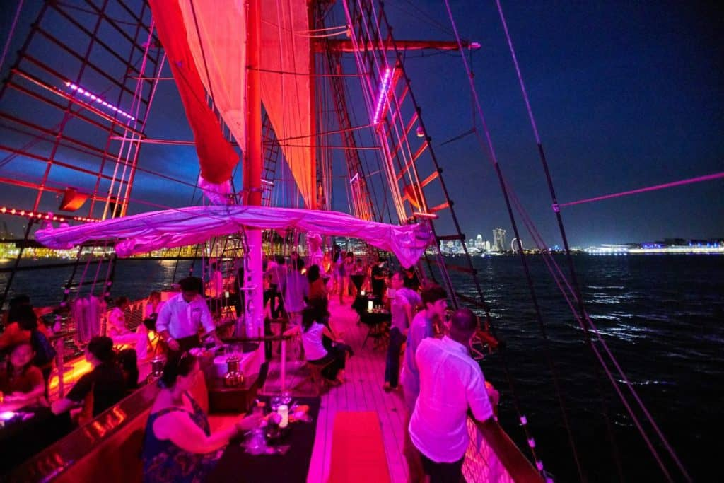 best places for first date in singapore_royal albatross